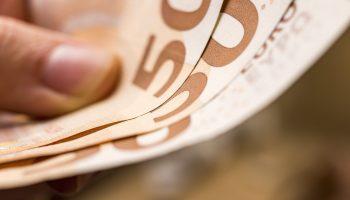 """""""Indėlių ir investicijų draudimas"""" visiems """"Snoro"""" neišleistų obligacijų ir neregistruotų akcijų turėtojams išmokės apie 10 milijonų eurų"""